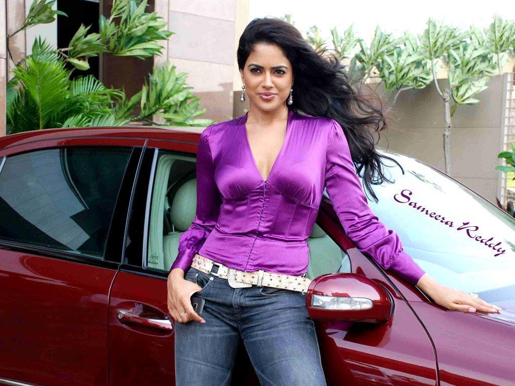 Sameera Reddy Sexy Look Yuvika Chaudhary Jeans Hot