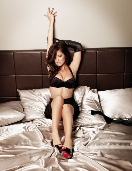 august 2010 esquire photoshoot. Minka Kelly – Esquire#39;s