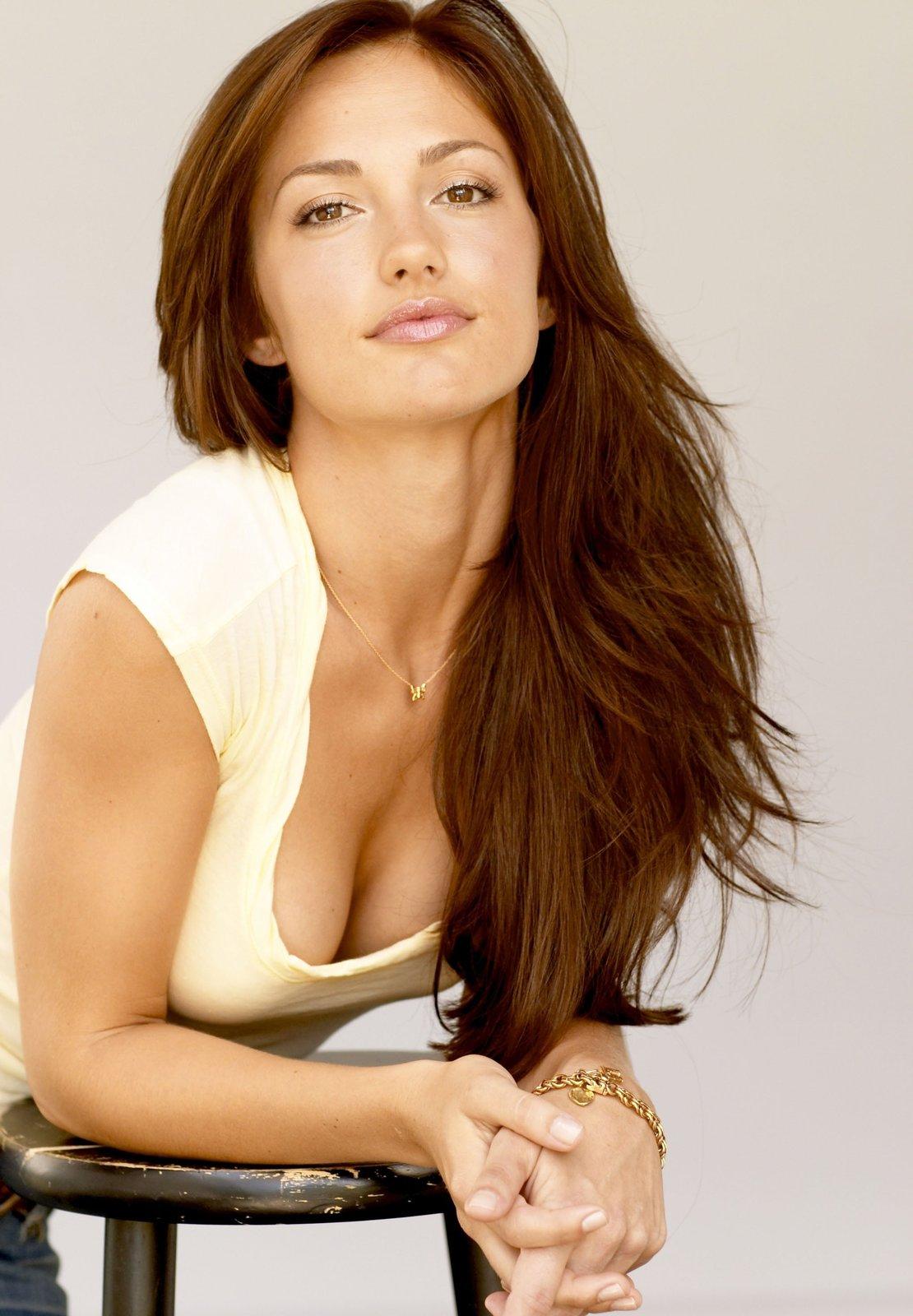 Site kelly minka sexiest woman alive think