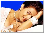 Amisha-Patel-cute-photo-002